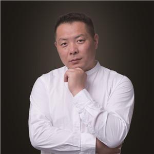 陈硕  毕业于中央美术学院