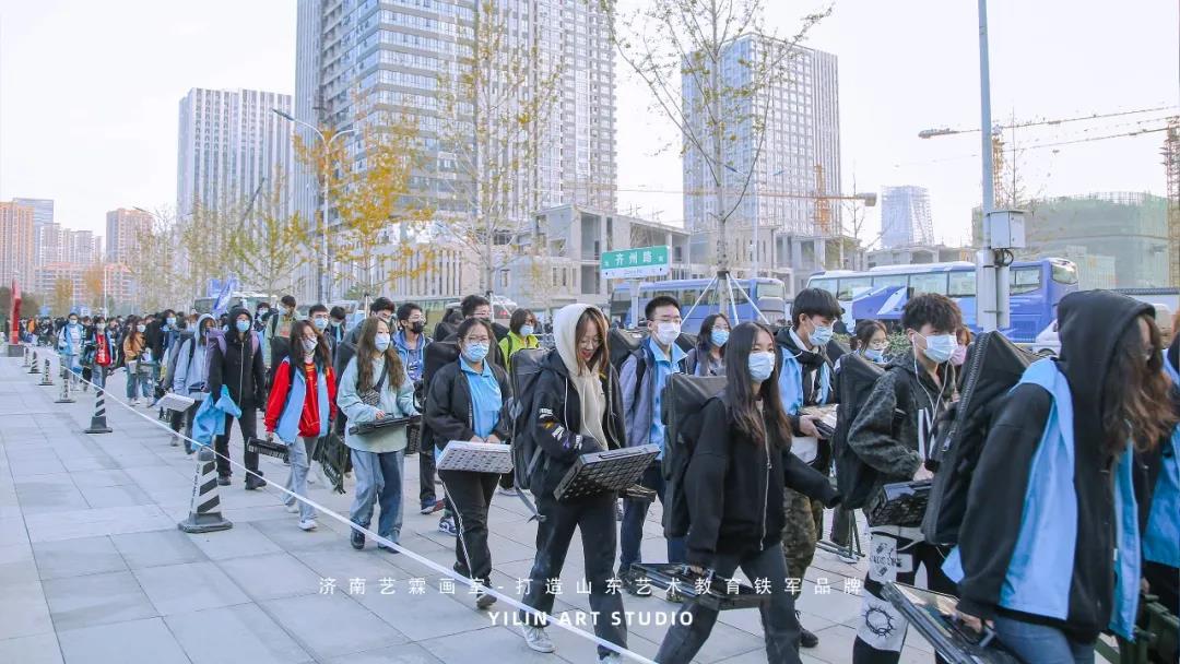 济南艺霖画室2020届学员第一次万人模考现场